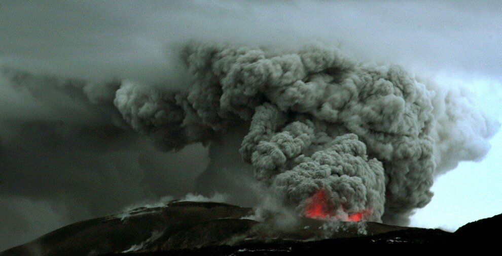 TOPSHOTS-CHILE-VOLCANO-PUYEHUE