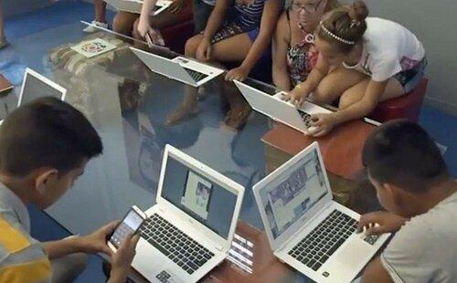 Кубинцы через хромбуки выходят в интернет