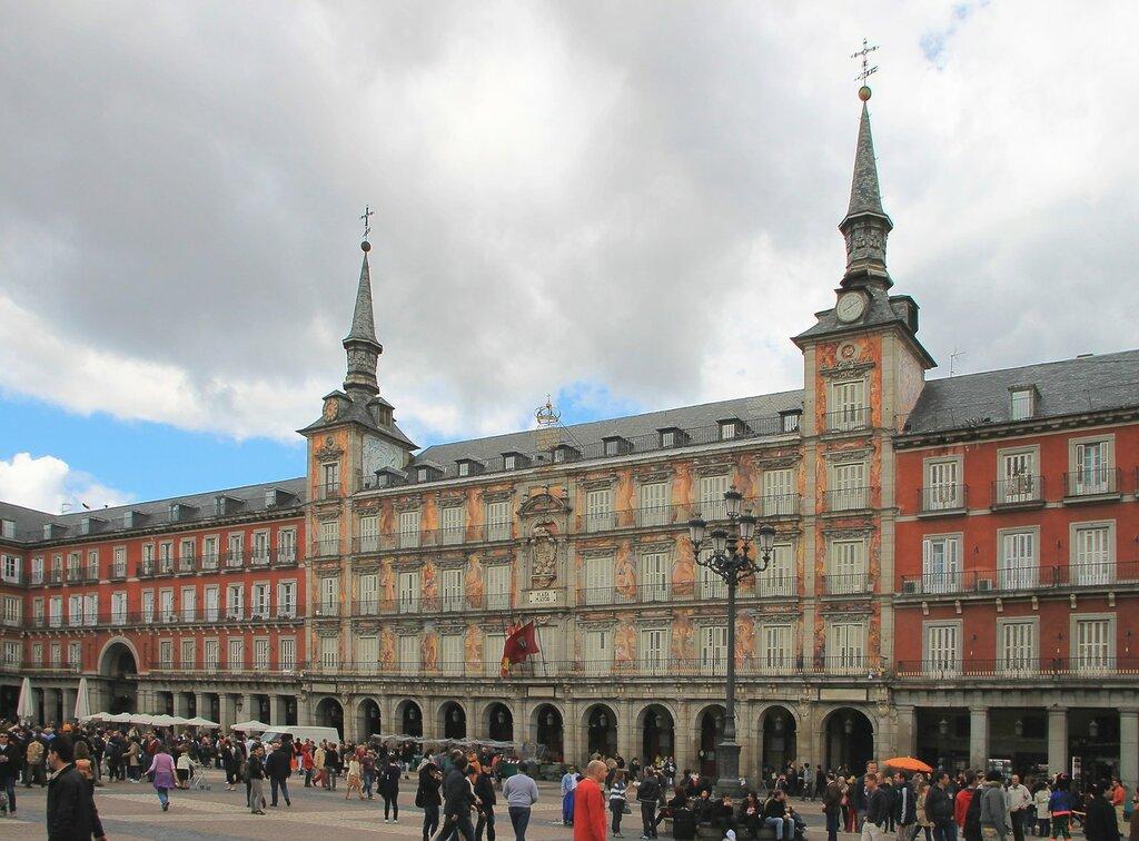 Мадрид. Главная площадь (Plaza Mayor). Дом Хлеба (Casa de la Panaderia)