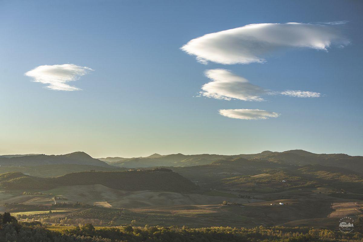 Val d'Orcia на рассвете.