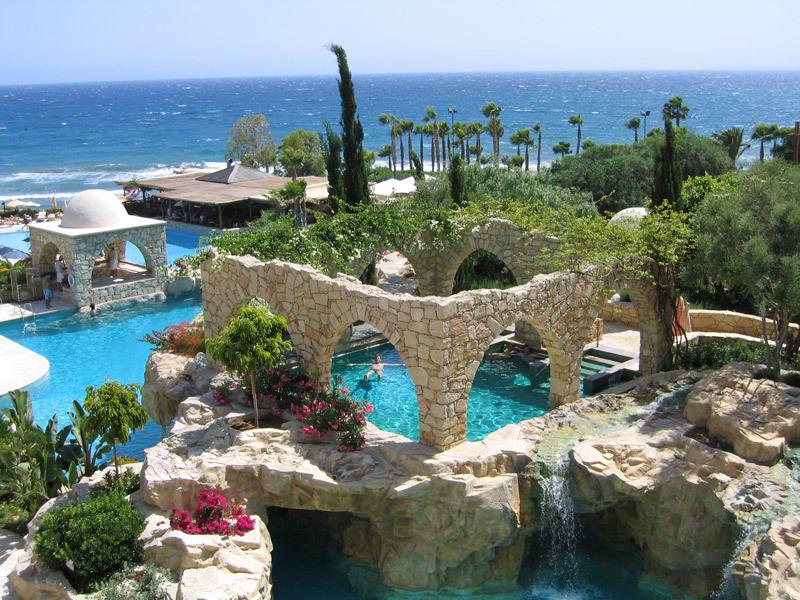 4. Кипр Пляжный сезон на Кипре заканчивается в ноябре, поэтому на Новый год туда ехать точно не стои