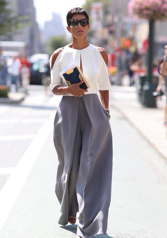 2. С 2006 года Дина — владелица эксклюзивного модного бутика одежды в Эр-Рияде, попасть в который мо