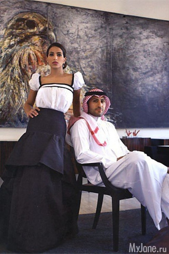 12. Дина замужем за саудовским принцем Абдулазизом бин Насер бин Абдулазиз Аль Саудом.