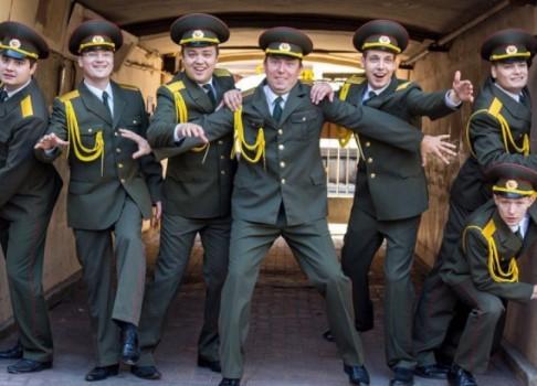 Хор русской армии перефразировал «ВПитере— пить»