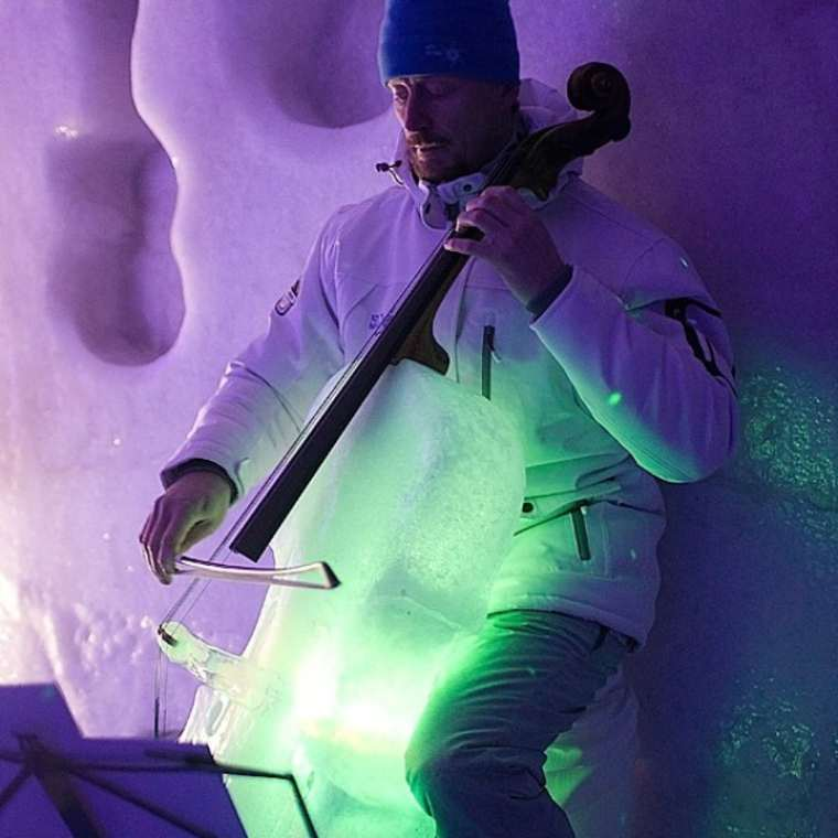 Ice Music – An amazing concert where the instruments are carved in ice (17 pics)