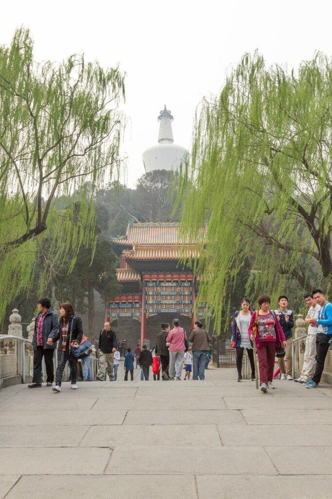 Мост Чжишань на Нефритовый остров, парк Бэйхай, Пекин