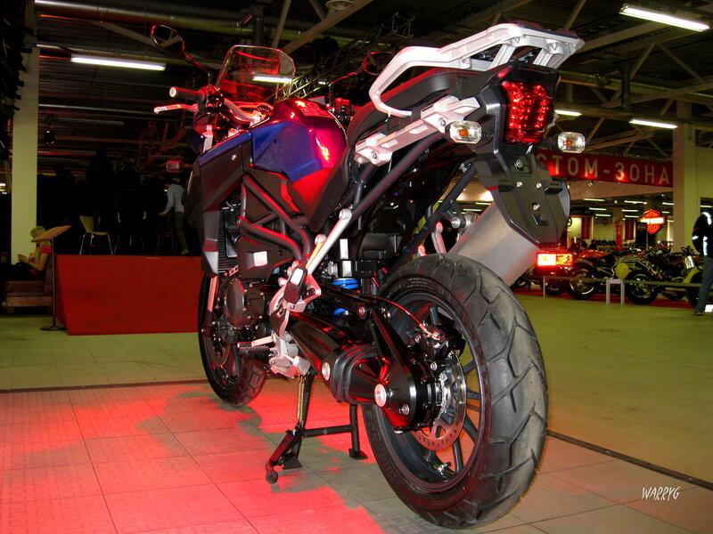 Мотосалон IMIS-2012 в «Гарден Сити». Новинка от компании TRIUMPH - мотоцикл TIGER EXPLORER.