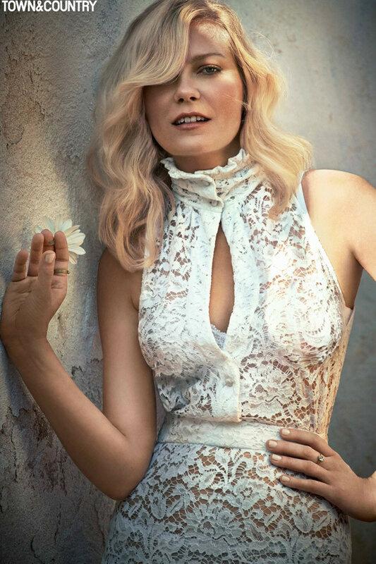 Kirsten-Stewart-Town-Country-2015-Cover-Shoot01-800x1444.jpg