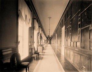 Интерьер картинной галереи в резиденции их высочеств [в Большом Кремлёвском] дворце.
