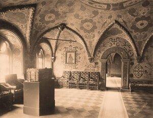 Интерьер Крестовой (Соборной,Думской,Гостиной) палаты в Теремном дворце Кремля.