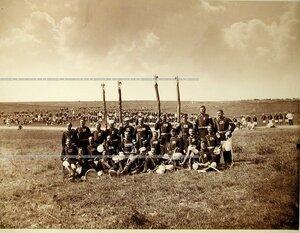 Группа фельдфебелей и знаменосцев Лейб-гвардии Преображенского полка.