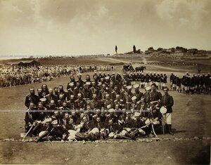 Группа офицеров Лейб-гвардии Измайловского полка на биваке.