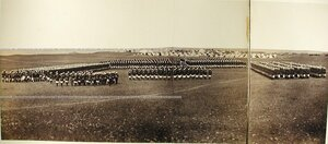 Награждение Георгиевскими крестами солдат и офицеров Лейб-гвардии Московского полка.