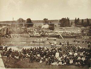 Солдаты и офицеры Лейб-гвардии Гренадерского полка на биваке.