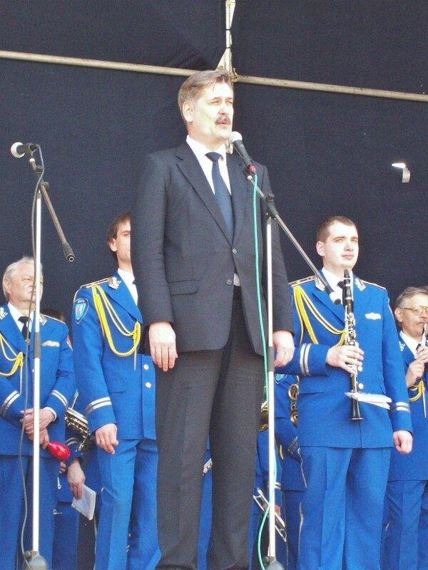 Выставку тюльпанов открывает Александр Мазурчак