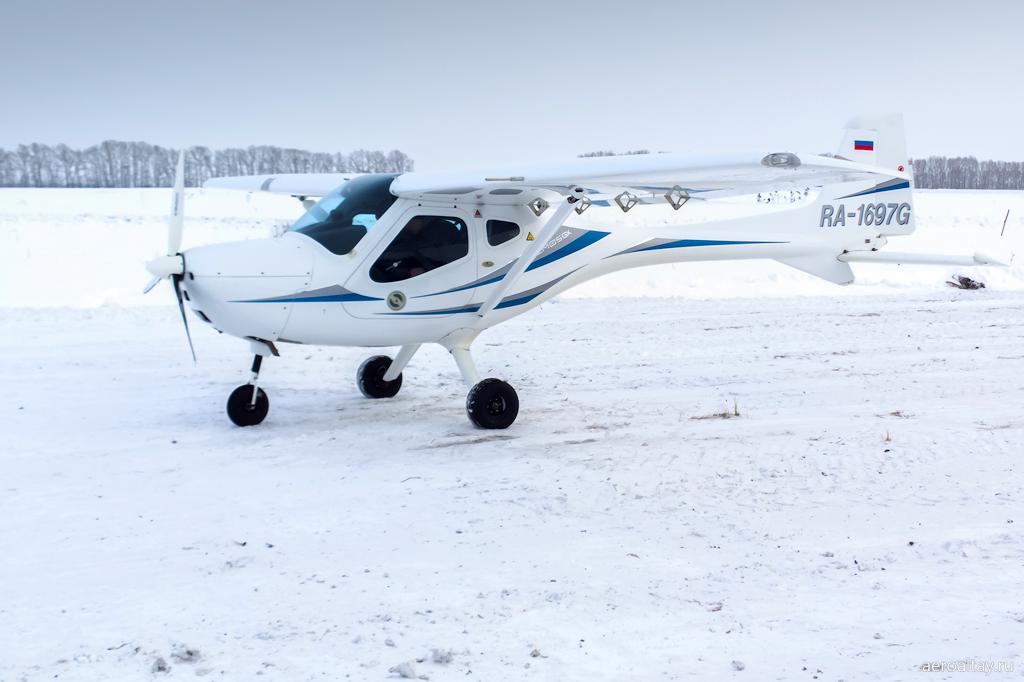 Самолет Ремос RA-1697G на аэродроме в Белокурихе