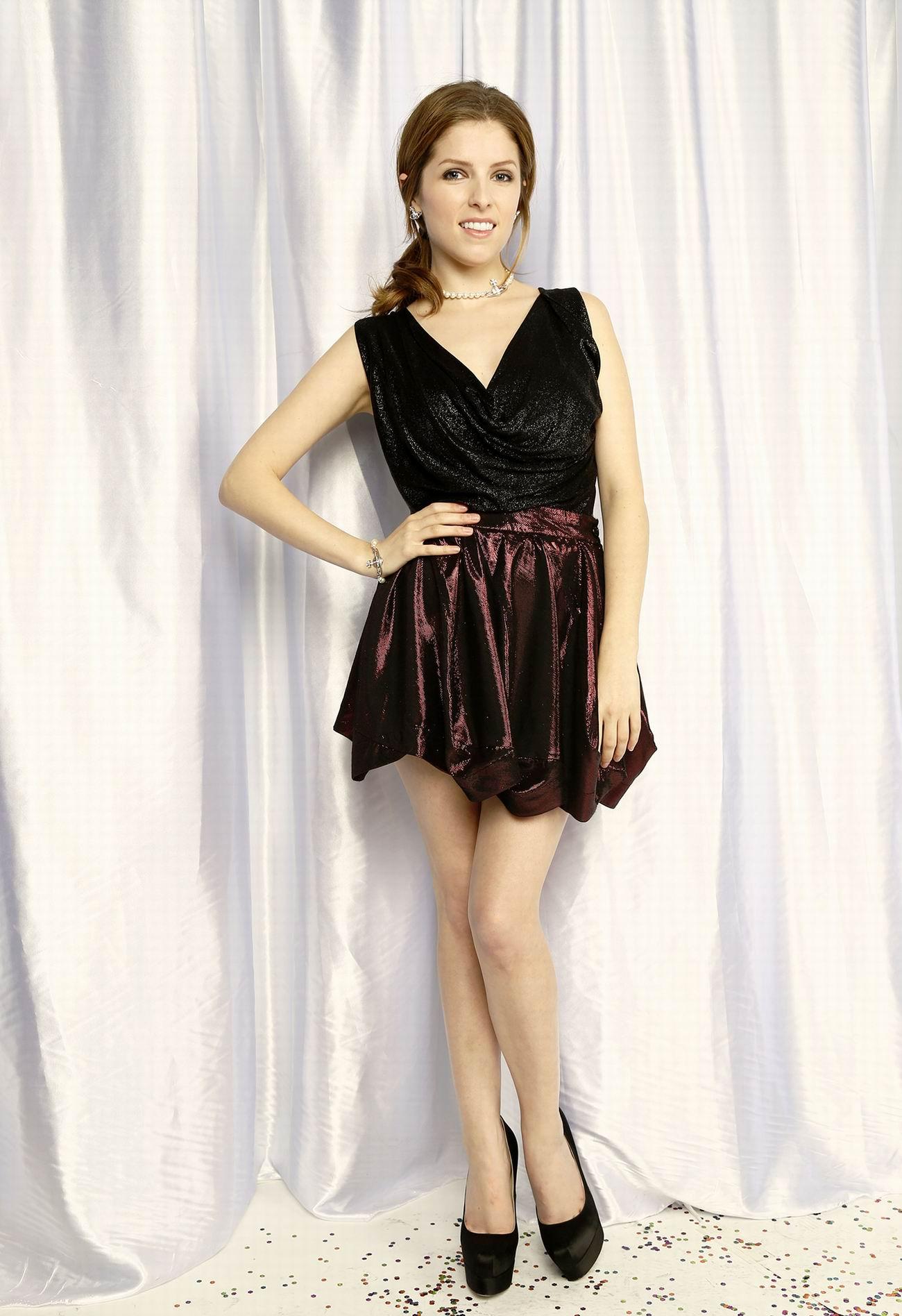 Анна Кендрик (Anna Kendrick) фотосессия 2013 Jingle Ball