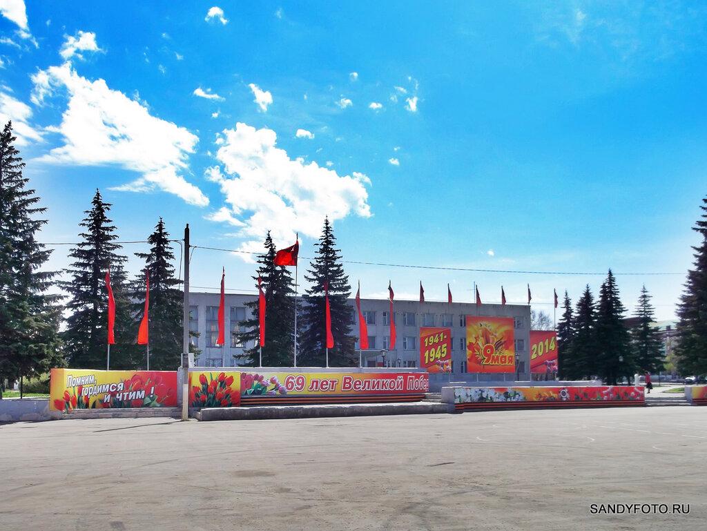 Центральная площадь Троицка украшена к 9 мая