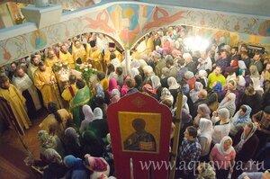 Духовные чада старейшего клирика епархии протоиерея Иоанна Миронова поздравили батюшку с 86-летием и днем ангела