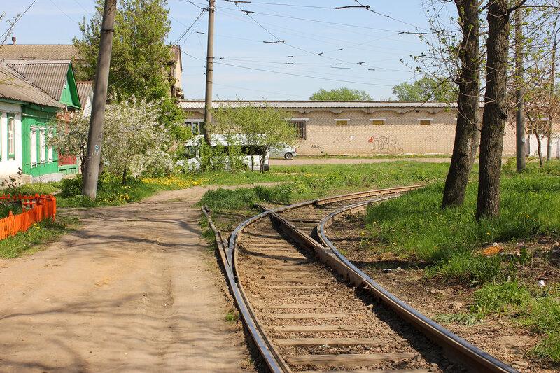 Гейт ЖД и трамвая на кольце 3-го маршрута