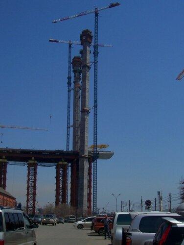 Мост через бухту Золотой Рог. Подъем нулевой секции центрального пролета. 17-05-2011г