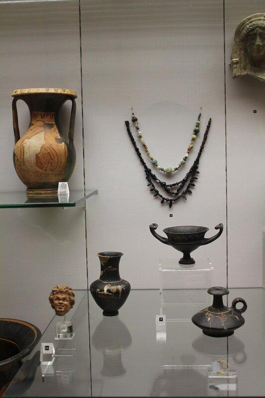 Находки из раскопок Фанагории из святилища на Майской горе