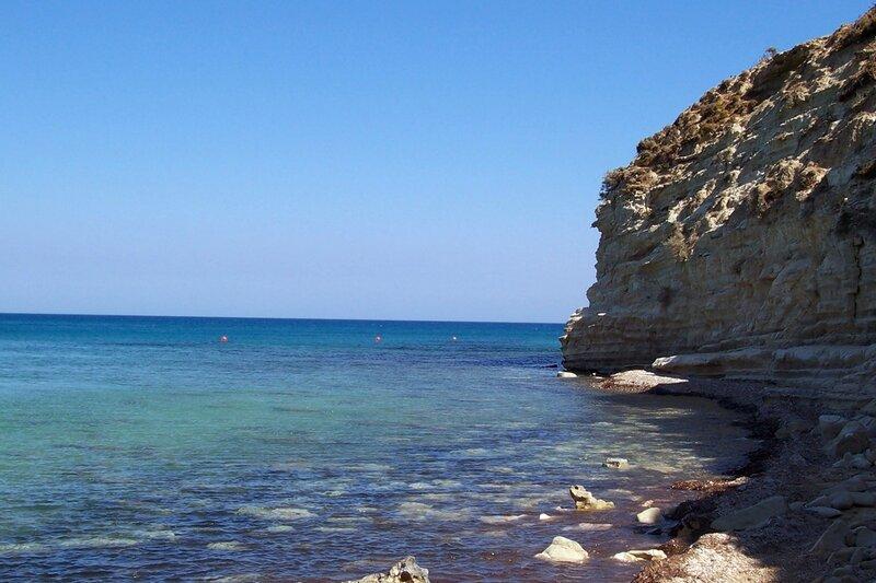 Кипр. Море и пляж для спартанцев.