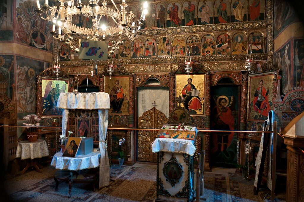 фото древних икон в румынских монастырях все знают как