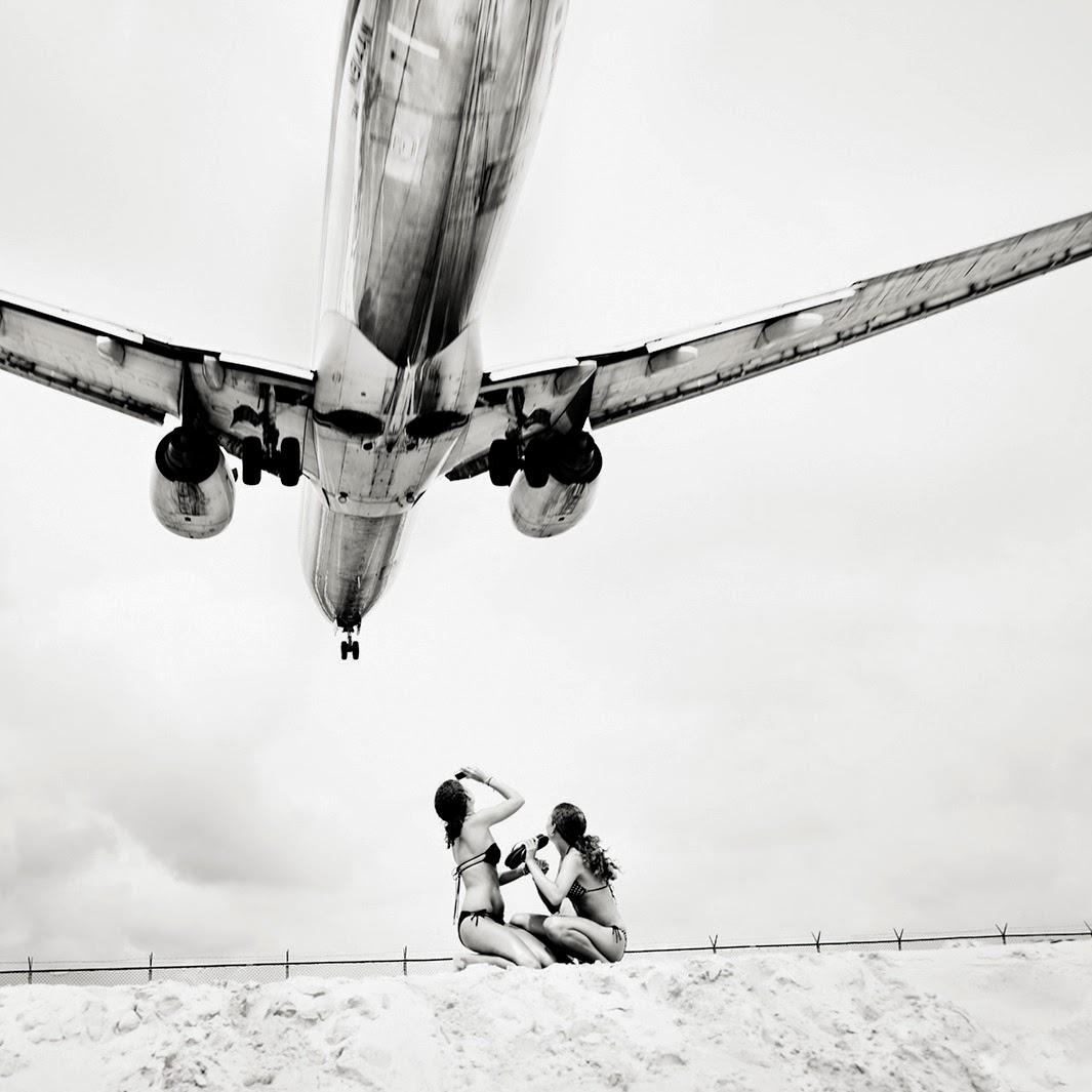 Jet airliner, Josef Hoflehner.jpg
