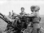 Зенитчики на боевой позиции. 1943 г..jpg