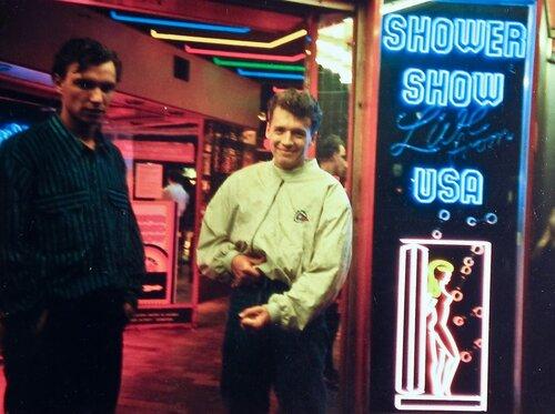 Йа, Йа, Prostituierte besuchen