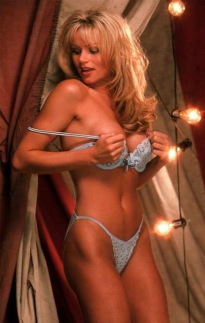 Playboy Playmate of the Month Nikki Schieler September 1997
