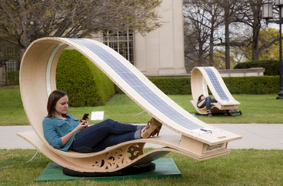 SOFT Rocker - уличная мебель на солнечных батареях. США. Массачусетс