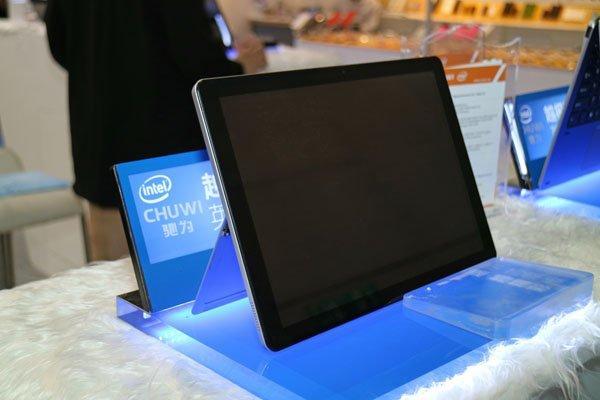 Microsoft представила гибридный планшет Surface Pro