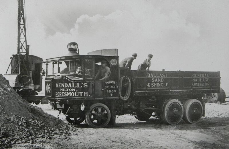 Garrett_Six-Wheeled_Undertype_Steam_Wagon_No_35464_of_1931.JPG