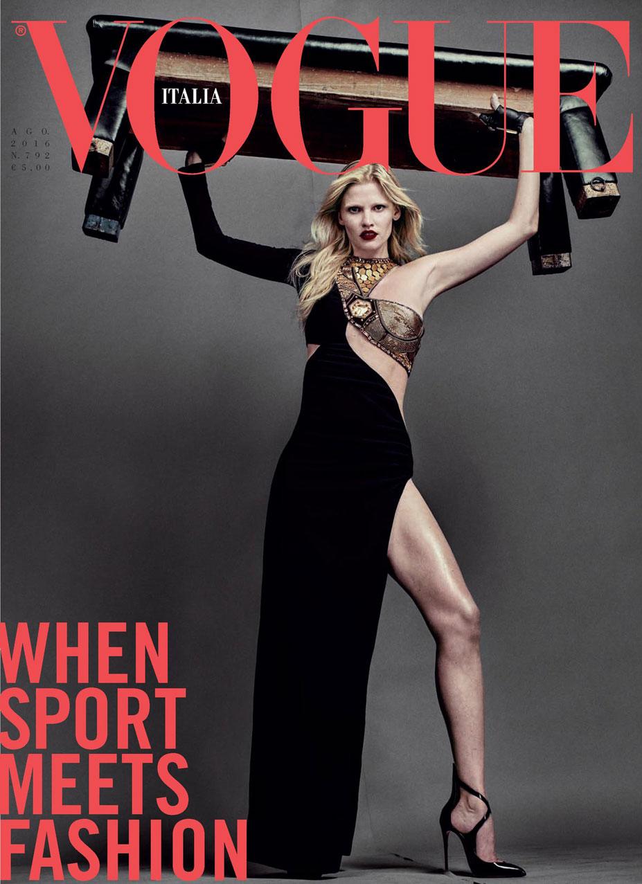 Атлетичная Лара Стоун вертит мужиками / Lara Stone and Andres Sanjuan by Steven Klein - Vogue Italia august 2016