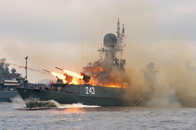 31 июля — День военно-морского флота России