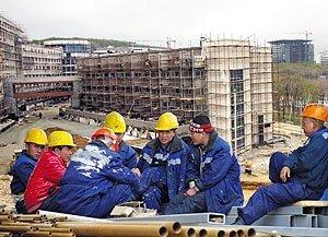 Прославленные «стройки века» тяжёлым катком прошлись по приморским строителям