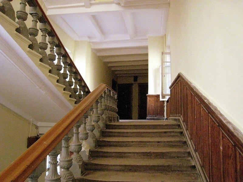 Лестница в доме № 29 по Покровке (1897, арх. Л. Кекушев)