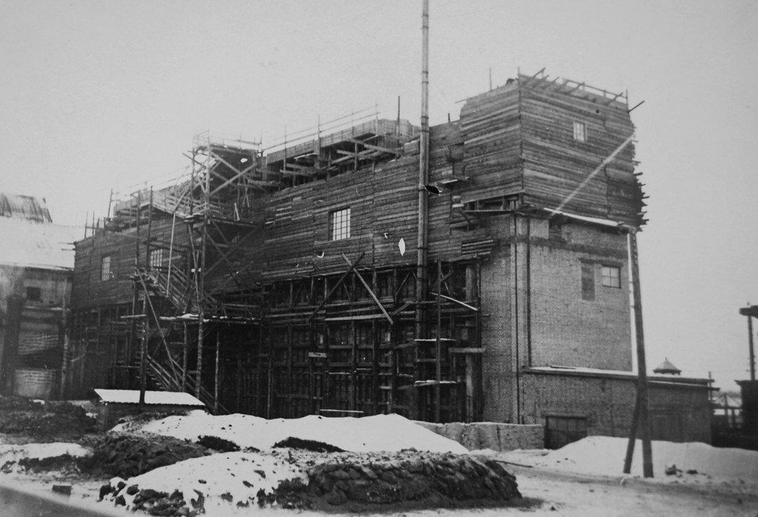 1915. Фрагмент стройки