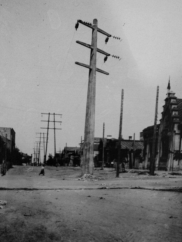 1916.  Одна из первых ЛЭП в Самаре
