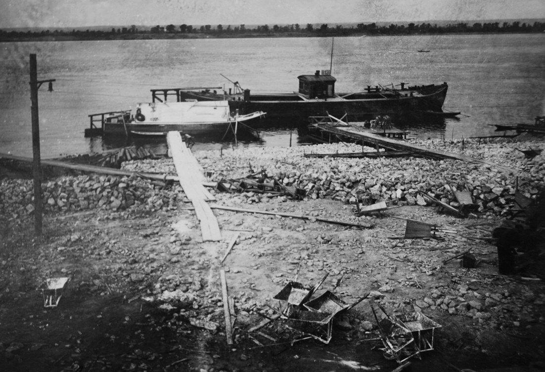 1931. Доставка бута
