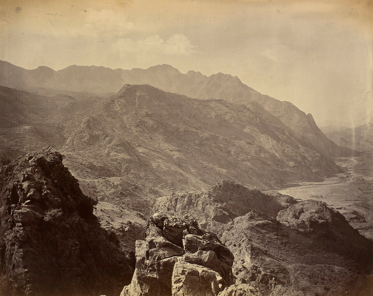 38. Вид из Ланди-Котала  в сторону Ланди-Хана