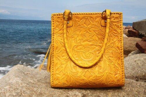 ...интернет-магазин сумок и аксессуаров из кожи и экзотической кожи.
