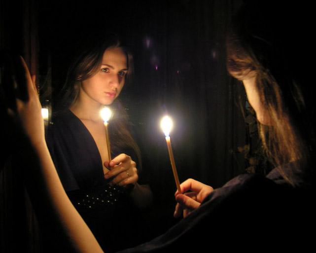 Гадание на зеркалах – опасная забава