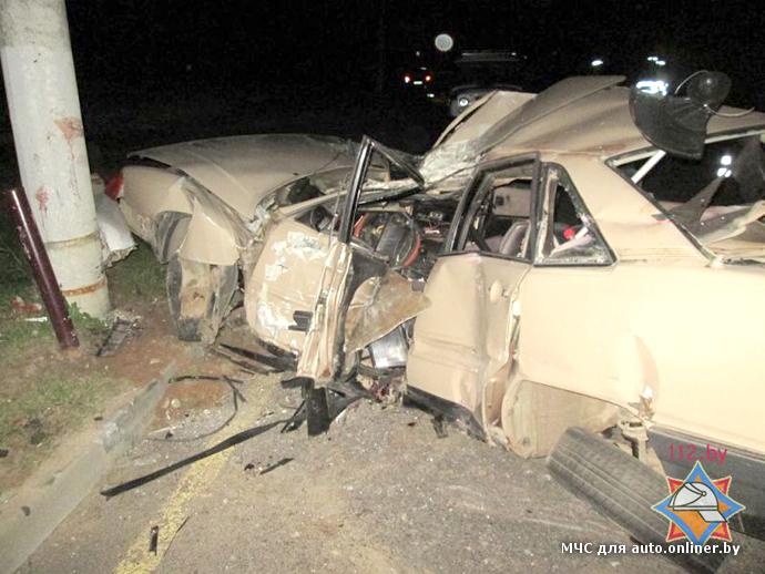 ДТП в Витебске: Audi разбит о столб, водитель погиб