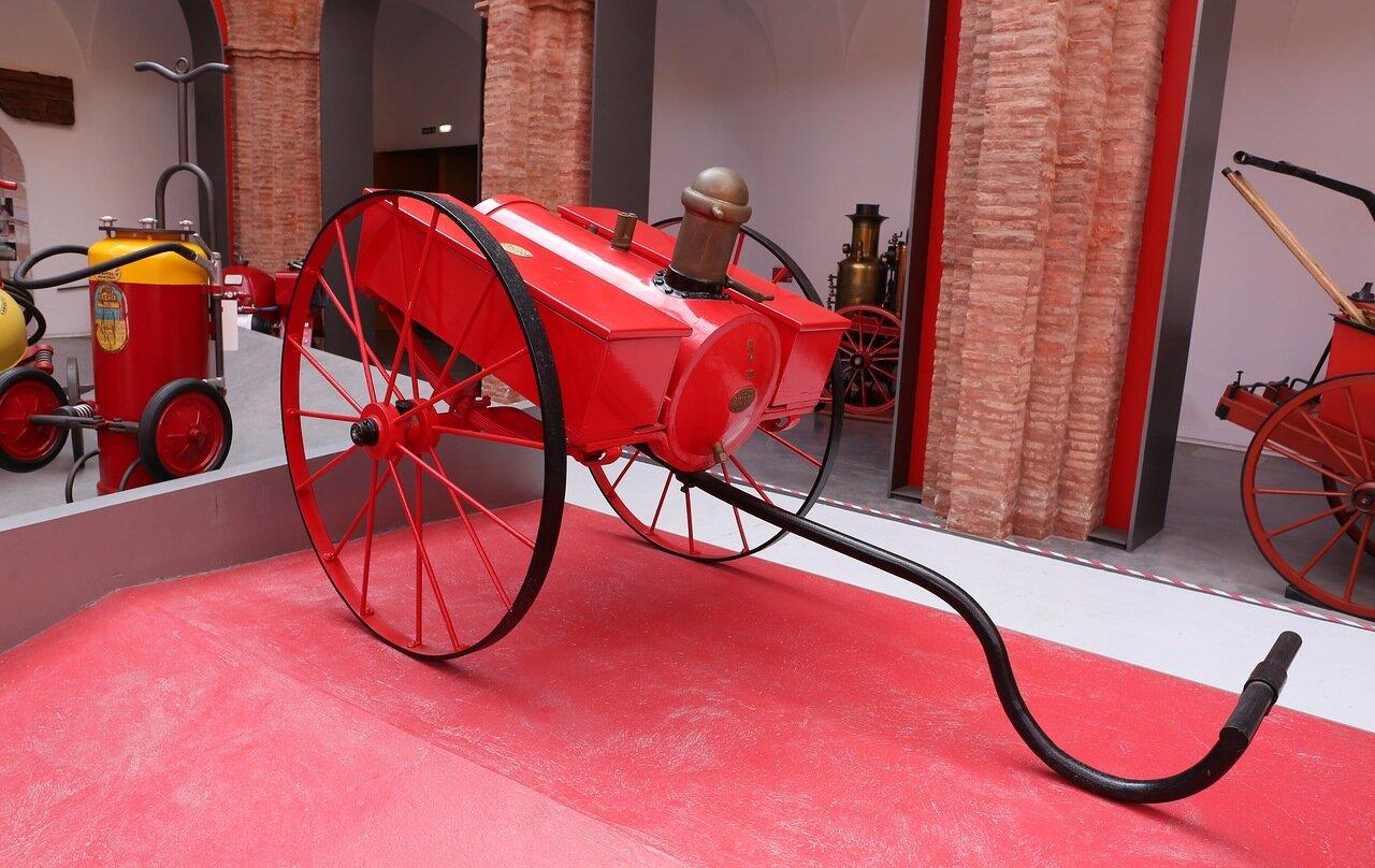 Музей пожарного дела в Сарагосе. Установка пенного тушения