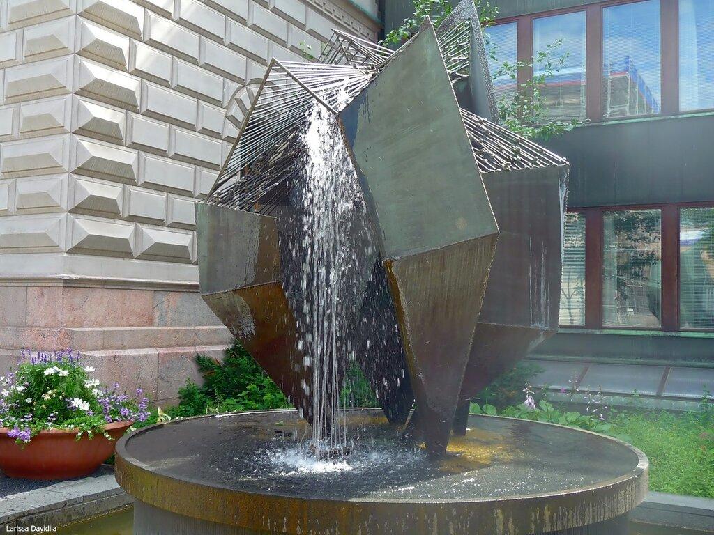 "Скульптура ""Бронзовая конструкция"", 1961 г."