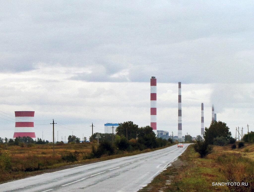 Троицкая ГРЭС, вид с трассы Бобровка—ГРЭС