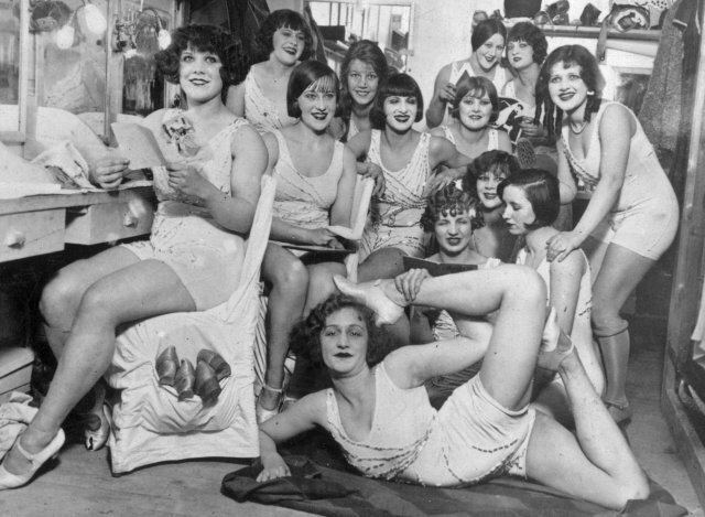 the Hoffman girls Backstage Moulin Rouge 1924